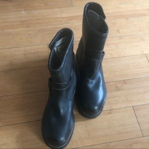 Chippewa black leather safety boots 5 1/2 FLAWLESS